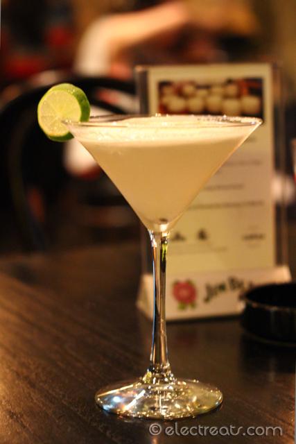Oriental Lychee Martini - IDR 80K  Vodka, lychee liquor, lemon, egg white.