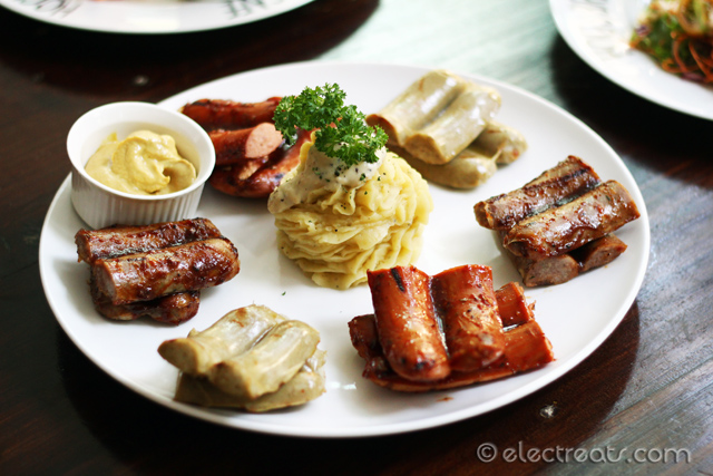 Mixed-Herb Sausages (Chicken, Beef, Pork) with Mustard Sauce A new menu.