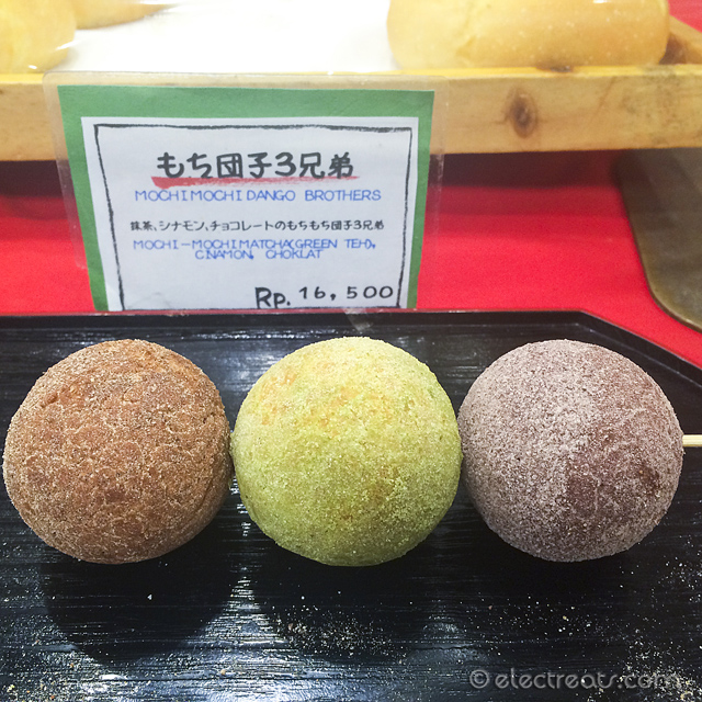 Mochi Mochi Dango Brothers - Chocolate, Matcha, and Cinnamon - IDR 16.5K