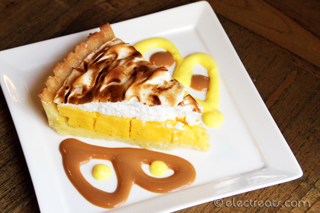 Lemon Tart with Meringue and Toffee Sauce a.k.a. Tarta de Limon Merengada con Salsa de Toffee - IDR 29K