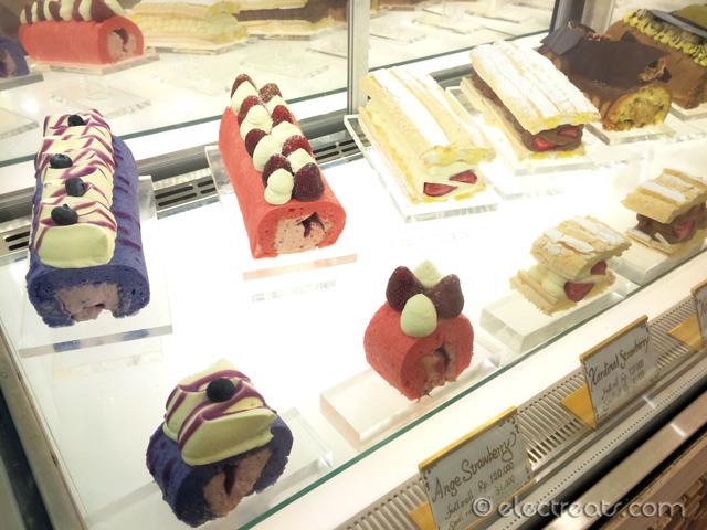 rati-rati-roll-cake-pantai-indah-kapuk-pik-07