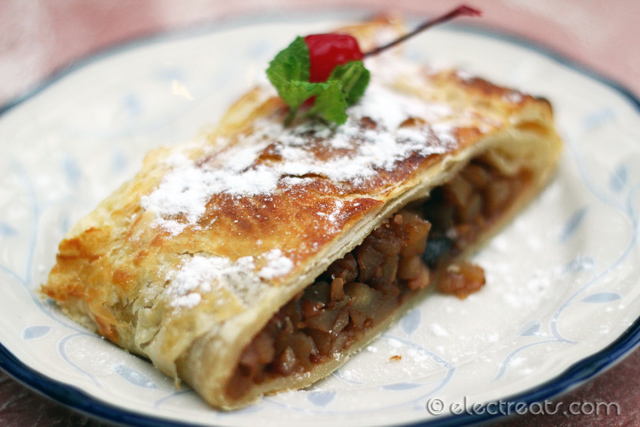 Apple Strudel - IDR 55K  Our waiter forgot to deliver the vanilla sauce that goes with this.
