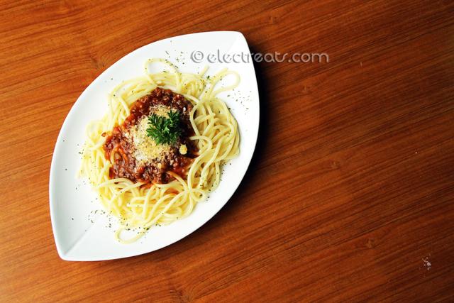 Spaghetti Bolognaise - IDR 35K  Lookin' good!