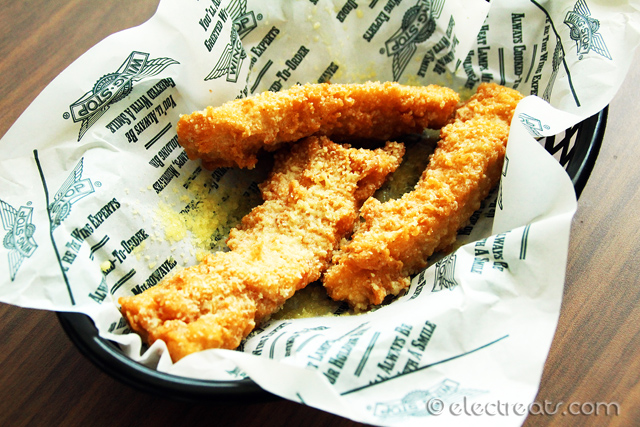 3 Garlic Parmesan Boneless Strips - IDR 38K Garlic Parmesan never disappoints. If this is your first time, try out this one and Teriyaki.