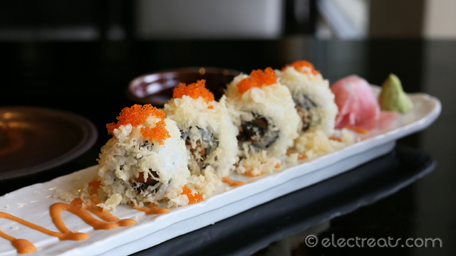 Unagi Cranch Maki - IDR 88K Grilled eel with tempura ball. I couldn't taste the eel, to be honest.