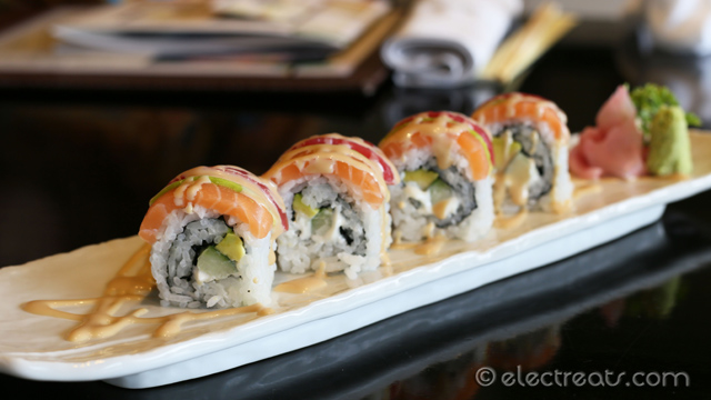 Rainbow Maki - IDR 118K Salmon, tuna, avocado with sushi rice and mayonnaise. So colorful and pleasing to look at.