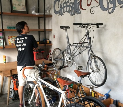 Beecy Bikes 'n Beans, Dharmawangsa
